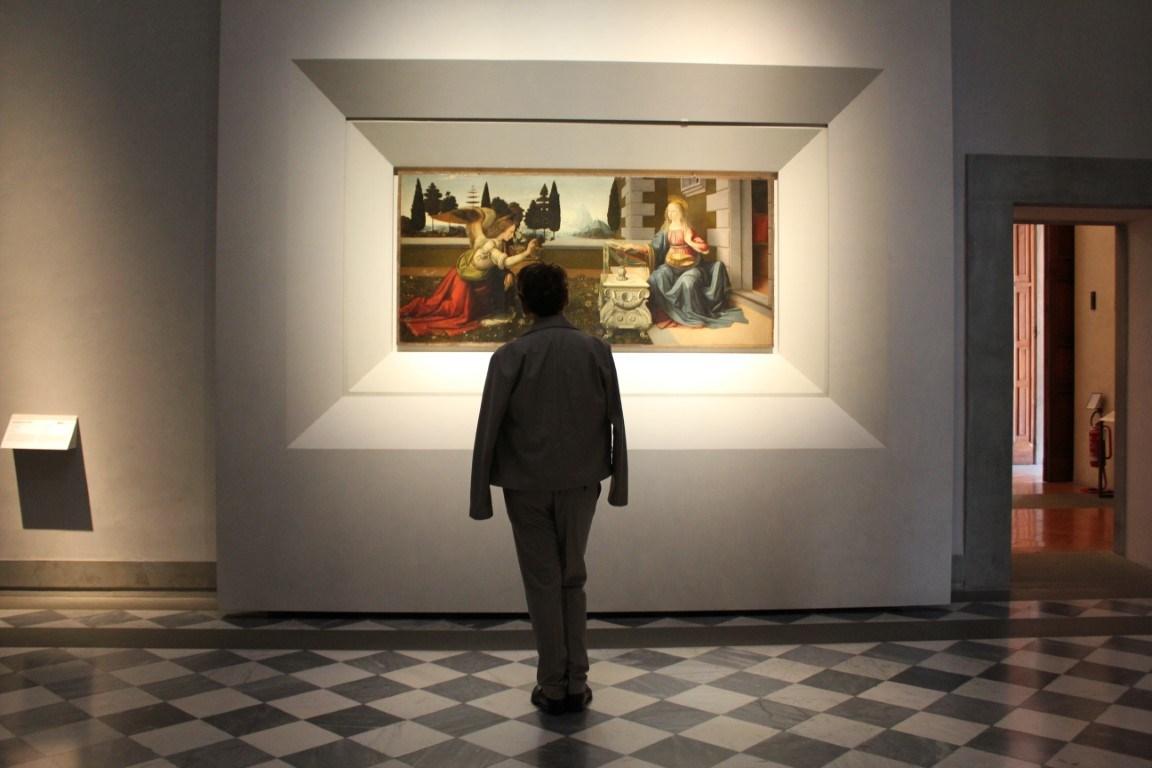 Ejemplo de iluminación de exposición en interiores.